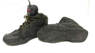 Sepatu outdoor touring kulit asli