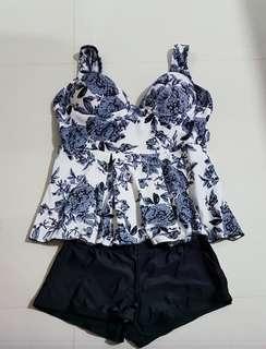 Brand new 2 pcs Swimwear