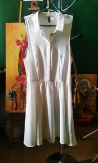 H&M: White Collar Dress