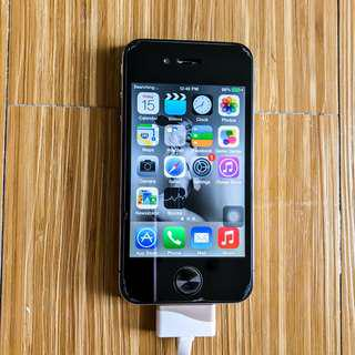 iPhone 4 - 16gb - with USB Charger