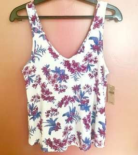 BRANDED SALE! American Eagle floral top