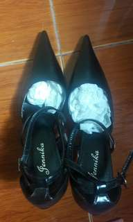 Very pointed shoes brand new