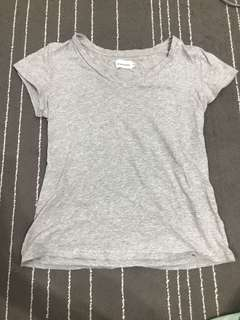 🚚 灰色素T-shirt上衣