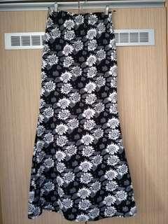 White Sunflower Black Long Skirt