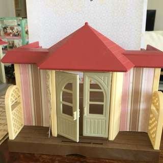 Sylvanian Families outhouse
