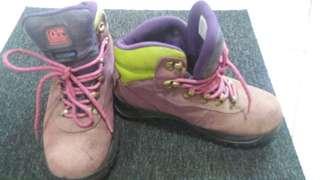 Hawkins GT rubber shoes