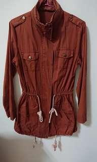 🚚 磚紅色腰間束口薄外套