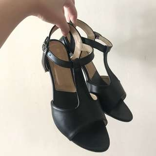 Simple Black Heels Wedges