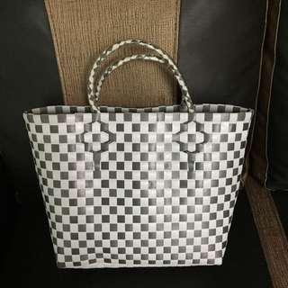 Waving / handcraft grey bag