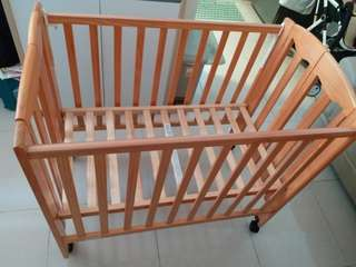 可摺式BB床/嬰兒床