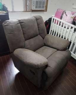 Rocker Recliner like Lazy La-Z boy couch
