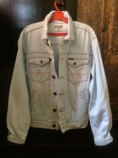Jaket Jeans Wrangler Size M Slim Fit