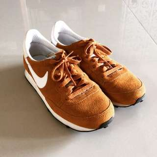 日本限定Nike 芥末黃跑鞋 25cm 極新
