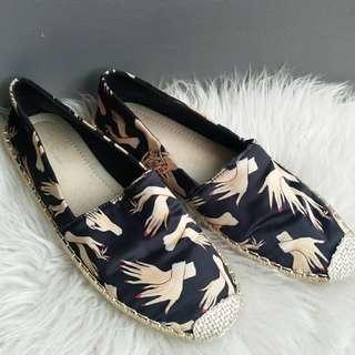 (no barter) Les Femmes Shoes