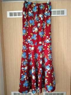 Blue Roses Dark Red Long Skirt