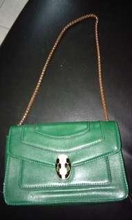 Green chain bag