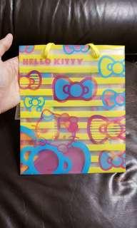 全新 Sanrio Hello Kitty 黃色塑膠 禮物袋 2006年出品