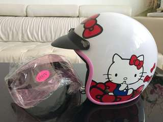 ❗️Hard shell helmet Hello Kitty Sanrio, Free pink UV shield. Motor bike