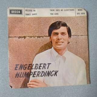 (二手) Engelbert Humperdingk 細黑膠