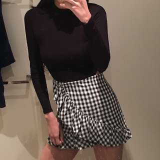 Black white high waisted asymmetrical checkered skirt