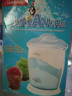Sunbeam Avalanche Ice Shaver ( ice crusher )