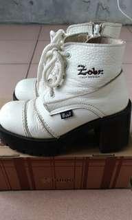 🚚 Zobr真皮白色厚底圓頭休閒鞋適合35、36,非dodoma,Desire