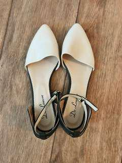 Pointed Black and Cream Casual Flats Size 6