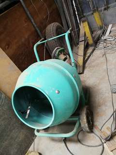 Concrete mixer. Used 2 times only