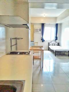 Studio for rent across De La Salle Manila
