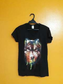 V-neck Wolf Black Shirt