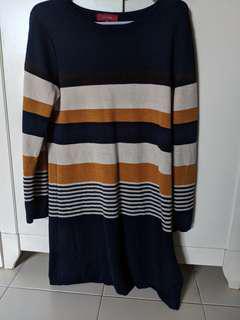 Takaiq Sweater dress