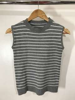 Stripes knitted sleeveless