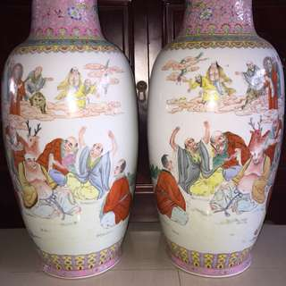 A Rare Pair Of 18 Arhat Famille Rose Vase 十八罗汉