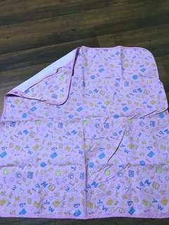 4 Swaddling Blankets