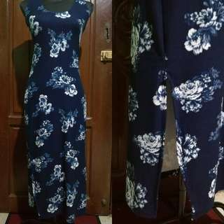 Brand new floral dress (with slit)
