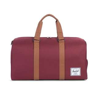 [PREORDER] HERSCHEL SUPPLY NOVEL DUFFEL (WINDSOR WINE/TAN)