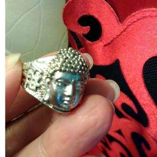 收藏古董老銀戒指。法像。平安順遂^_^。指圍約2.1公分。