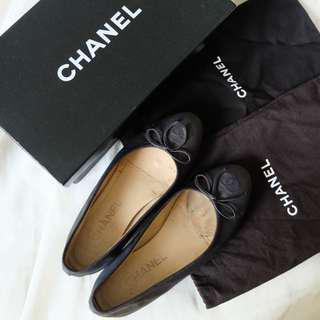 AUTHENTIC Chanel Ballerina Flats
