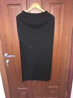 Rok slit hitam
