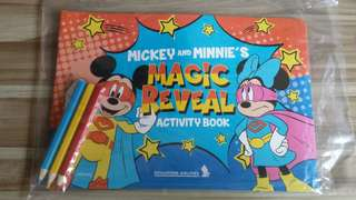 SQ Disney Mickey And Minnie Magic Reveal Activity Book