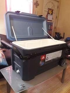 Igloo 110 Qts 2 Tone Cooler with Wheels