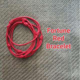 Gelang Tali Merah