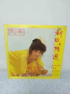 81年 徐小鳳 新曲與精選 lp黑膠唱片