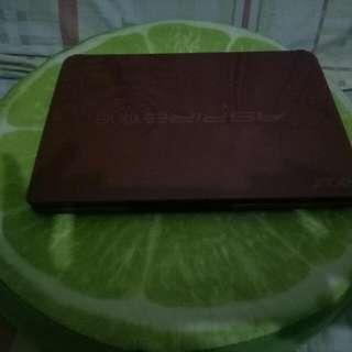 ACER Aspire One D257 (Netbook)