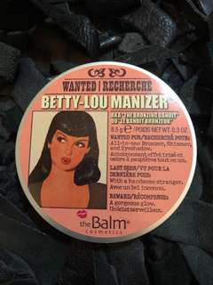 Betty Loumanizer The Balm Bronzer