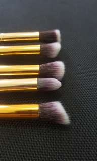 CLEARENCE Eyeshadow brushes
