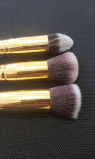 CLEARENCE Face Brushes