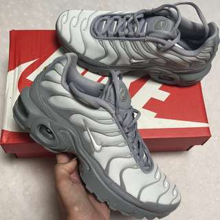 [NEW] Nike TN shoes