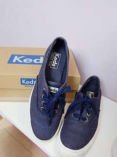 KEDS Tripple Size 5