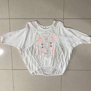 Woman The shanti butterfly top